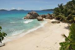 在La Dique,塞舌尔群岛的热带海滩 库存照片