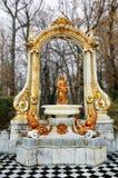 在La Granja de圣・ Ildefonso庭院的喷泉。 库存图片