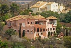在La Manga高尔夫球手段,西班牙的别墅 库存照片