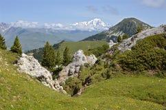 在La Plagne的山在法国 库存图片
