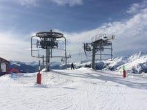 在La Rosiere的滑雪电缆车在法国阿尔卑斯 库存照片