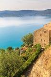 在Lac de Sainte Croix, Verdon,普罗旺斯的看法 免版税库存图片