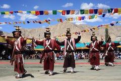 在Ladakh节日的文化舞蹈 库存照片