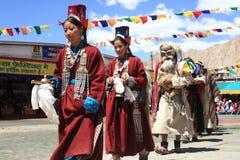 在Ladakh节日的文化舞蹈 免版税图库摄影