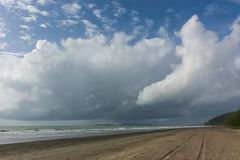 在laem儿子海滩, Ranong,泰国,亚洲的美好的海视图 La 免版税库存照片