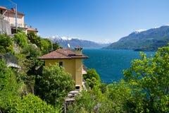 在Lago Maggiore,意大利上的看法 免版税库存照片