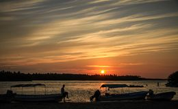 在Lagunas Chacahua国家公园的日落,瓦哈卡,墨西哥 库存图片