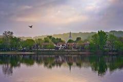 在Lambertville, NJ的早晨太阳 免版税库存图片