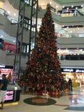 在Lamcy广场的圣诞节装饰在迪拜,阿拉伯联合酋长国 图库摄影