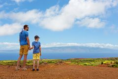在lanai海岛的家庭 免版税图库摄影