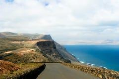 在Lanzarote的路 图库摄影