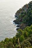 在Lavandou附近的地中海海岸 图库摄影