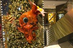 在Le Printemps商店,巴黎,法国的圣诞节装饰 免版税库存照片