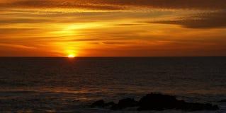 在Leca da Palmeira海滩的日落 库存图片