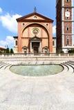 在legnano老教会结束了砖边路意大利lo 库存图片