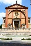 在legnano被封锁的砖塔边路意大利伦巴第 免版税库存照片