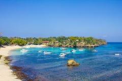 在Lembongan海岛上的蘑菇海滩 免版税库存图片