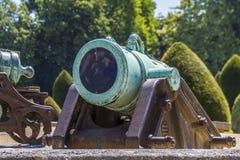 在Les Invalides,巴黎附近的拿破仑似的火炮枪 免版税库存照片