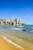 在levante海滩,西班牙的贝尼多姆海滨 库存照片