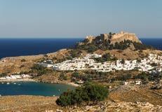 在Lindos,罗得岛,希腊的看法 免版税图库摄影