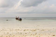 在Lipe海岛,泰国的Kolae小船 库存图片