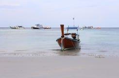 在Lipe海岛,泰国的Kolae小船 免版税库存照片