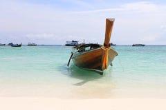 在Lipe海岛,泰国的Kolae小船 库存照片