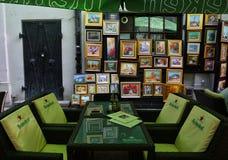 在Lipscani街道附近的Hanul古芝Tei,在老镇布加勒斯特 免版税库存图片