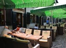 在Lipscani街道附近的Hanul古芝Tei,在老镇布加勒斯特 库存图片