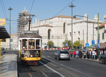在lissabon的著名电车15 库存图片