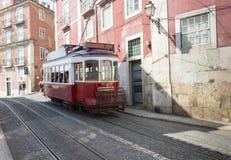 在lissabon的著名电车 免版税图库摄影