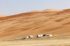 在Liwa绿洲的沙漠阵营 免版税库存图片