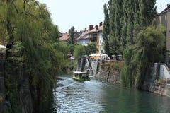 在Ljubljanica的小船 免版税图库摄影