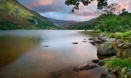 在Llyn Gwynant的美好的日出在Snowdonia 免版税图库摄影