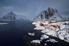 在Lofoten海岛,挪威上的Hamnoy渔村 库存照片