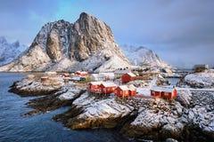 在Lofoten海岛,挪威上的Hamnoy渔村 免版税库存照片