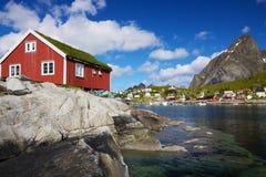 在Lofoten的Rorbuer在挪威 免版税库存照片