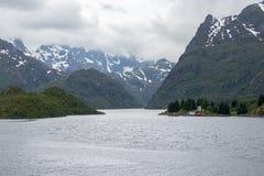 在Lofoten/Vesteralen,挪威的壮观的Trollfjorden 库存图片