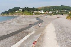在Looe英国,联合王国附近的西顿海滩康沃尔郡 免版税库存图片