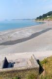 在Looe英国,英国附近的西顿海滩康沃尔郡 免版税库存照片