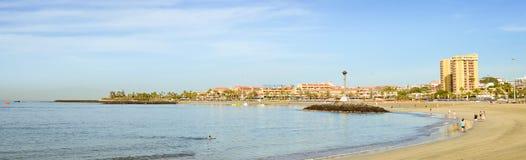 在Los Cristianos,特内里费岛,西班牙的Playa de Las Vistas海滩 图库摄影
