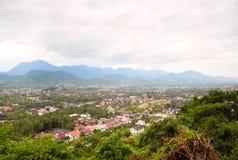 在luang prabang风景视图间 免版税库存照片