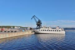在LuleÃ¥南部的港的群岛小船  免版税库存照片