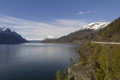 在Lustrafjorden的看法在挪威 免版税库存照片