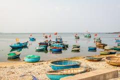 在Ly儿子海岛上的小船 免版税库存照片