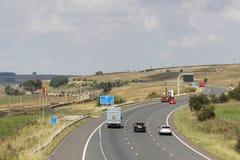 在M6机动车路向北的车道Shap的交通 免版税库存图片