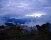 在Machu Picchu,秘鲁附近的山阵营 库存图片