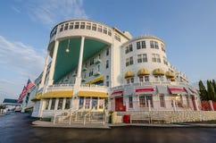 在Mackinac海岛上的历史的圆山大饭店在北密执安 库存照片