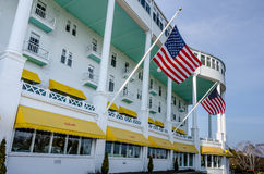 在Mackinac海岛上的历史的圆山大饭店在北密执安 免版税库存照片