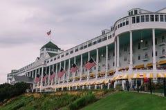 在Mackinac海岛,美国上的美丽的维多利亚女王时代的旅馆 免版税库存图片
